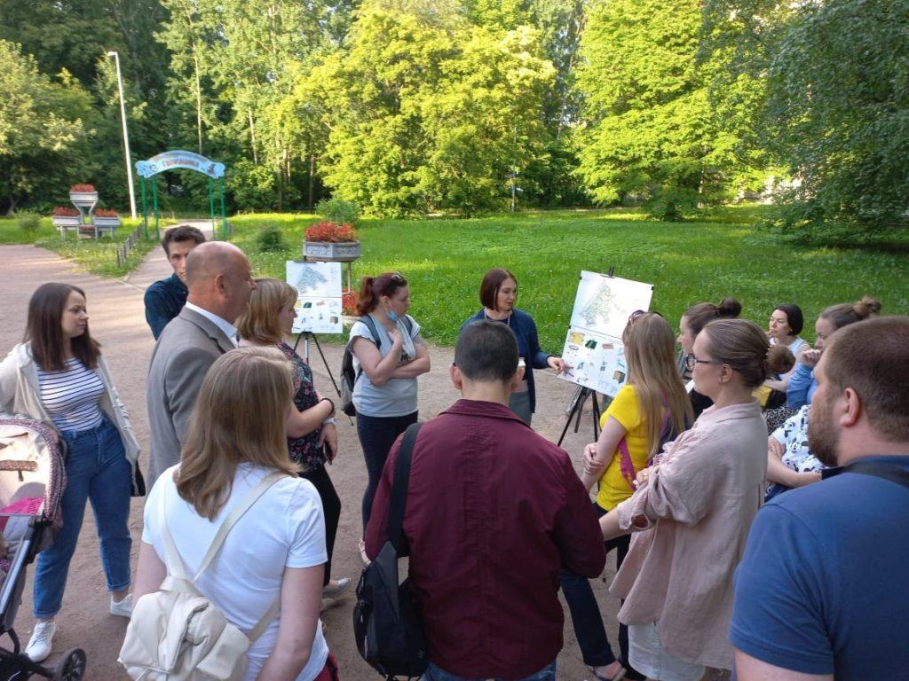 Встреча с жителями по вопросу благоустройства сквера по ул. Карпинского между домами 6 и 10